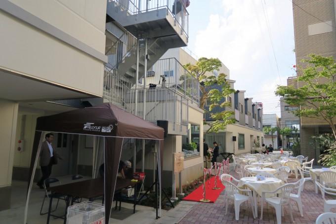3つの飲食店とシェアハウスの機能を持つ、複合型施設のCOMICHI石巻。